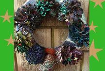 Grand Christmas crafts to make / Christmas crafts, Christmas cards, Christmas decorations for children and adults to make, plus tips for saving. http://gleefulgrandiva.com