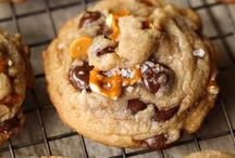 Easy Cookie Recipes / Hey! So I hear you want the best cookie recipes and baking tips? Well this board is filled with HUNDREDS of the best blog posts that I could find! Here you'll find everything from easy chocolate chip cookie recipes to easy no bake cookie recipes and so much more...