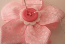 Ribbons/Flowers / by Fabiana Nogarolli
