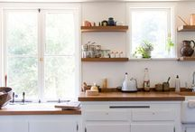 KITCHENS / by Rachael Kincaid