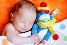 Cute Baby Photos / Can't help but smile at these cute baby photos.