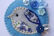 pin, cushion / Visit Fleur de Lis Quilts at www.fleurdelisquilts.blogspot.com #fleurdelisquilts, #marymarcottequilts