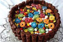 Repostería / Tartas, dulces, galletas y todo lo que se puede hacer en un horno y que, por supuesto, incluya azúcar. / by CCyT Cuchillo Y Tenedor