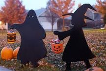Halloween Crafts / Fun Halloween crafts and Halloween party decorating ideas. Scary Halloween party fun for ghouls, vampires and witches..