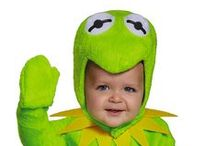 Cute Kids in Costume / Showing off the cutest kids and baby Halloween costumes - dress baby up for Halloween as a monster, superhero, cute animal or Disney princess.