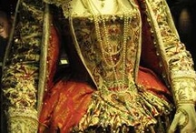 Dream Dresses / What I would do to wear a medieval dress...