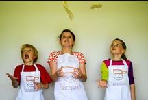 Making Pizza / Why not get the kids to help you to make fresh homemade pizza. It's so easy, any adult could do it!