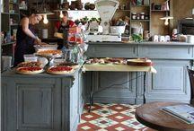 Kitchen / by Reetta Hakonen