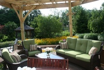 Outdoor Spaces / Poolside patios, outdoor kitchens, funky fireplaces and more. We love these backyard retreats!