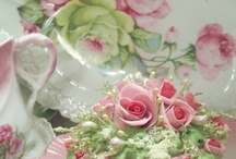 CAKE DECORATING / for the long winter nights, sweet delights... / by Joyce Meyers