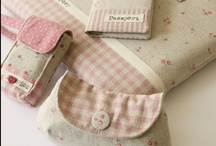 MONEDEROS - CLUTCHS - PURSES  / by Maribel Morata Patchwork & Crafts