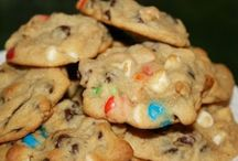 Sweet Tooth--Cookies / by Christy Gros