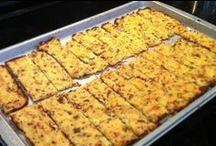 Cauliflower Mock Ideas / Cauliflower makes a great base for crusts, pies, breadsticks, etc.