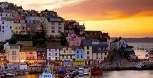 Holidays in Devon / Devon is one of the most popular family friendly holiday destinations in the UK. Stunning golden beaches, rugged coastlines, picturesque villages, national parks and plenty of family friendly attractions. Ideal for family holidays - https://www.childfriendlyescapes.co.uk/