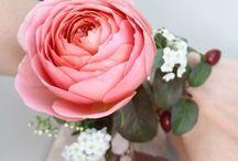 Boutonnières & Corsages / Inspiring floral accessories for the big dau