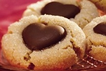 Baking Cookies and Bars / by ღ Angelica Diaz-Alcala ღ