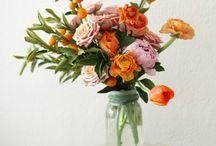 Florals / Flower arrangements, bridal bouquets, flower crowns, and more