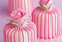 Cakes cakes cakes / by Sandy Oskam
