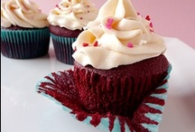 Food: Cupcakes / by Pamela Marceaux