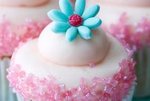 Food: Cupcakes / All about the cupcakes!