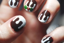 Christmas pudding / Get a bit of Christmas pud inspiration for #StirUpSunday. We're loving those nails!
