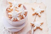 Favourite Christmas recipes / Pretty festive biscuits, turkey and lots of good grub. We love this time of year ...