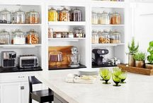 The Organized Kitchen / furniture and tips and to make any kitchen organized, inviting, and gorgeous