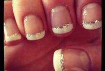 Nails/ Makeup / by Lindsey Cavner