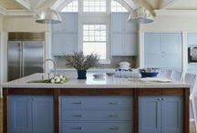 Spaces {Kitchens we Love} / Even the most reluctant chef will be happy cooking in these kitchens.