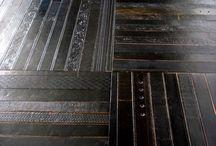 Surfaces / wall & floor dressings