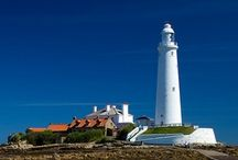 LIGHTHOUSES / I have always loved lighthouses. Here are just a few images that I have come across.