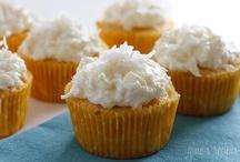 EATS: Cupcakes / by Beth Hendricks
