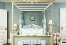 Bedrooms I love!!! / by Theresa Fulgoni-Chittock