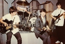 We ♥ The Beatles / The Beatles were and are the most famous band in the world, and fans are ever-thirsty for new celebrations of their work. Here are the top gift ideas for any Beatles fan.