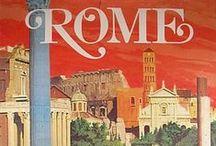 Vacanze Romane / Una collezione di cartoline vintage di roma con monumenti architettura e grafiche démodé dei viaggiatori nella capitale.