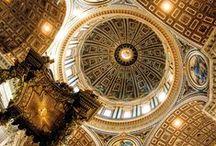 San Pietro / L'architettura e la ricchezza delle volte di San Pietro... Con il naso all'insù...