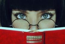 Chuuuuut ! Je lis... / Les livres, compagnons de toujours...Que ferais-je sans eux ? Tableau passion / by Helene Paradis