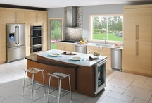 Dream Kitchens / Dream kitchens keep me wishing for an unlimited decorating budget!