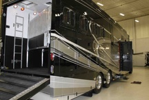 4-Horse Equine Motorcoach / 4-horse all in one RV and horse transport. Made in the USA