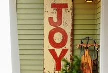 Beach Christmas / Celebrate in style with these amazing beach Christmas home decor ideas.