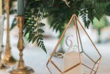 wedding inspiration: springy, fresh, emerald wedding / wedding decorations, wedding inspiration, bridal party, wedding day, wedding invitations, ceremony, centerpieces, greenery, spring wedding, fresh wedding, emerald