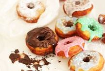 Doughnuts / Doughnut recipes, baked doughnuts, cake doughnuts, yeasted, beignets, churros, crullers, glaze, doughnut cake, ricotta doughnuts, brioche doughnuts