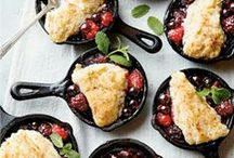 Cast Iron Skillet Recipes / Cast iron recipes and ideas you can use in your own country kitchen.