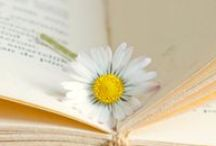 BOOKS & FLOWERS / by Fiore Bianco