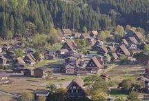 Shirakawa-go Patrimoine Mondial de l'UNESCO / Le village de Shirakawa-go est un des rares en son genre au Japon et a été classé patrimoine mondial de l'UNESCO en 1995, notamment du fait de ses Gassho-Zukuri, ses maisons aux toits de chaumes si particulier.