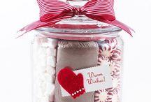 Gift Ideas / by Mandy Pelton