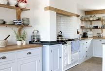 Kitchens / by Clara Saenz Casal