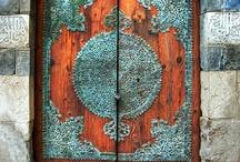 Doors / by Clara Saenz Casal