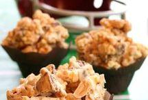 Football Food / Yummy food ideas for throwing a great themed football party! #footballfood #football #recipes #rolltide #bama