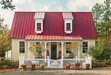 Houses I <3 / by Christie Morgan